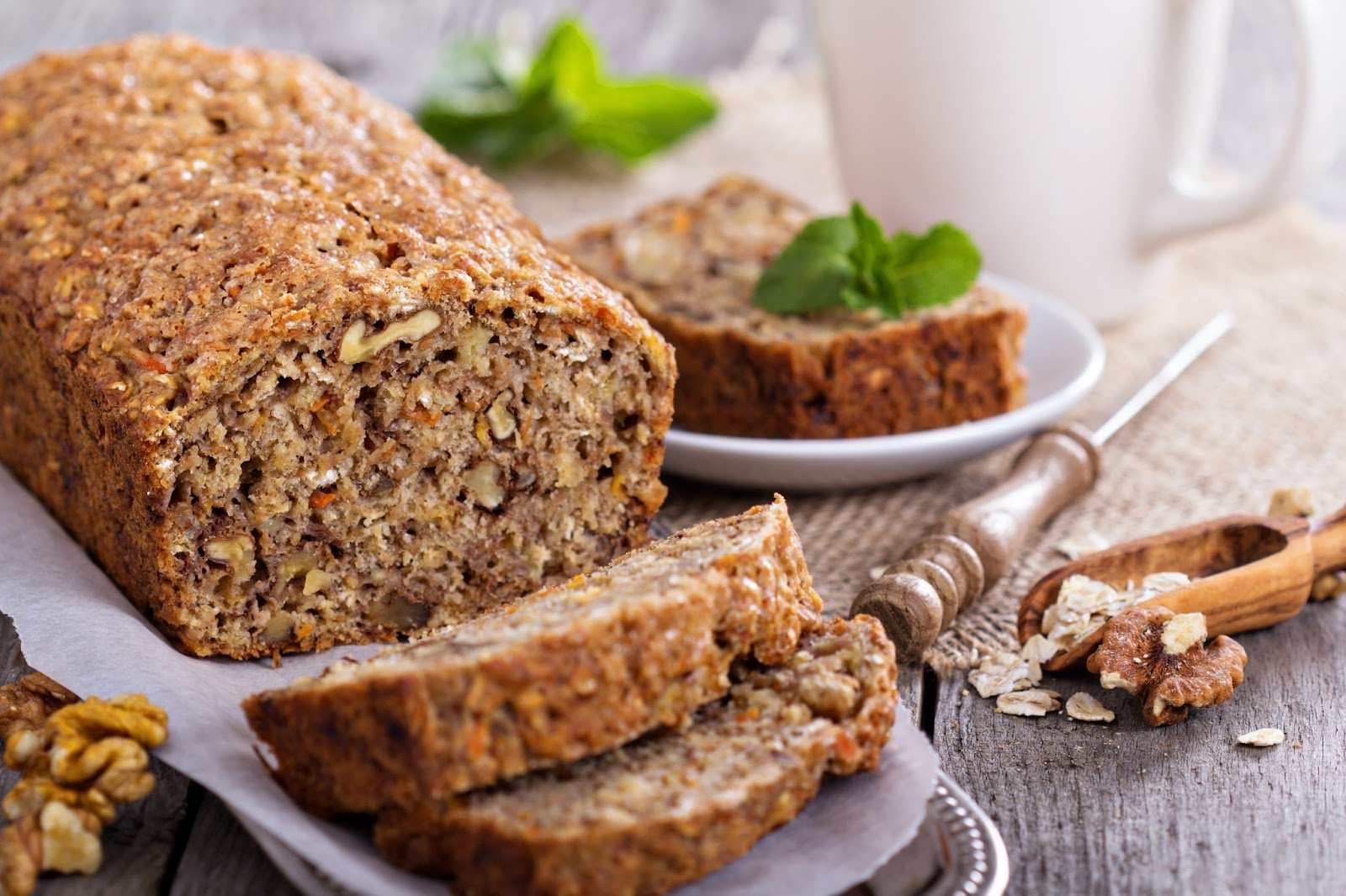 Carrot, Walnut and Linseed Cake or Cup-Cakes