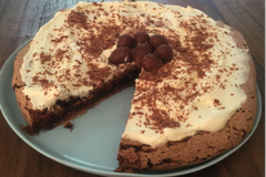Chocolate pavlova this Easter? Mmmm, I think so