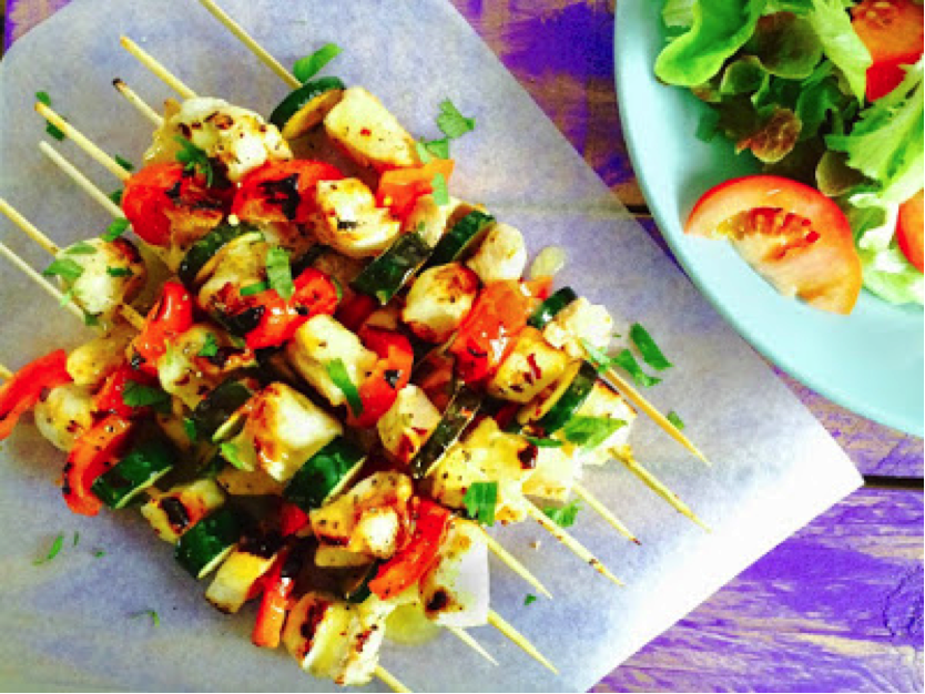 Low FODMAP BBQ Chicken Skewers with Lemon Sauce