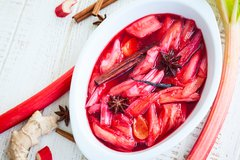 Stewed rhubarb with ginger